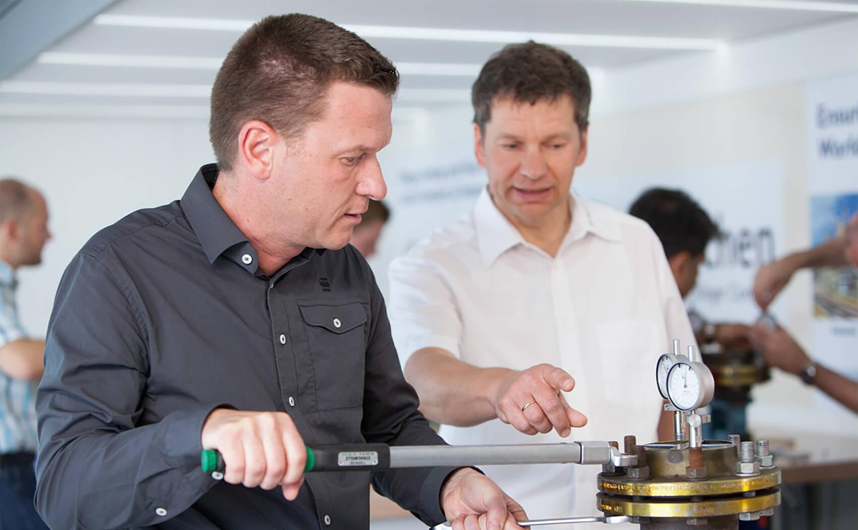 Schulungen der KLINGER Gruppe für Ingenieure und Techniker